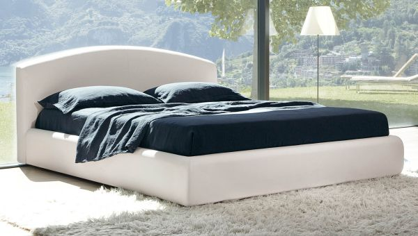 Crisp And Minimalist Look Of The Fabulous Florence Bed Black Bed Design