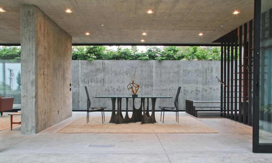 Exposed Concrete Walls And Dining Area Modern Dining Furniture