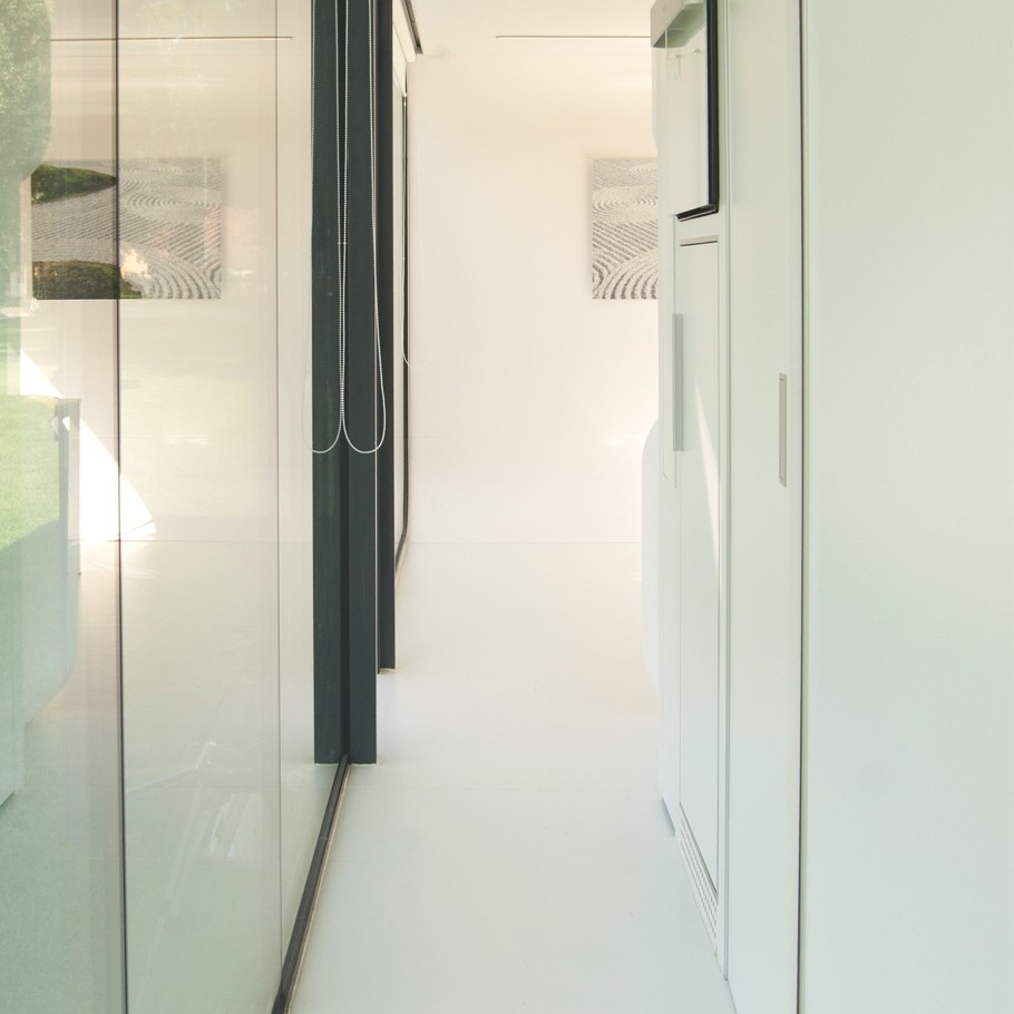 Bedroom: Mobile Home Interior Design Glass Wall And Small Corridor