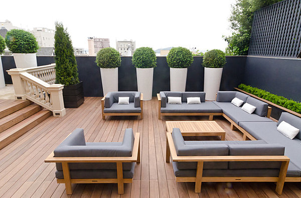 Modern Outdoor Living Meets English Charm Outdoor Patio With Modern Outdoor Furniture