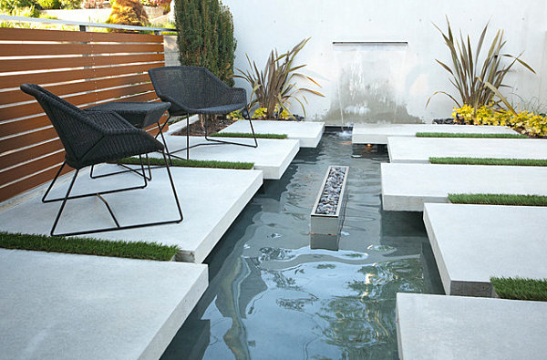 Modern Seating Area With A Pond Decor Cozy Garden Design