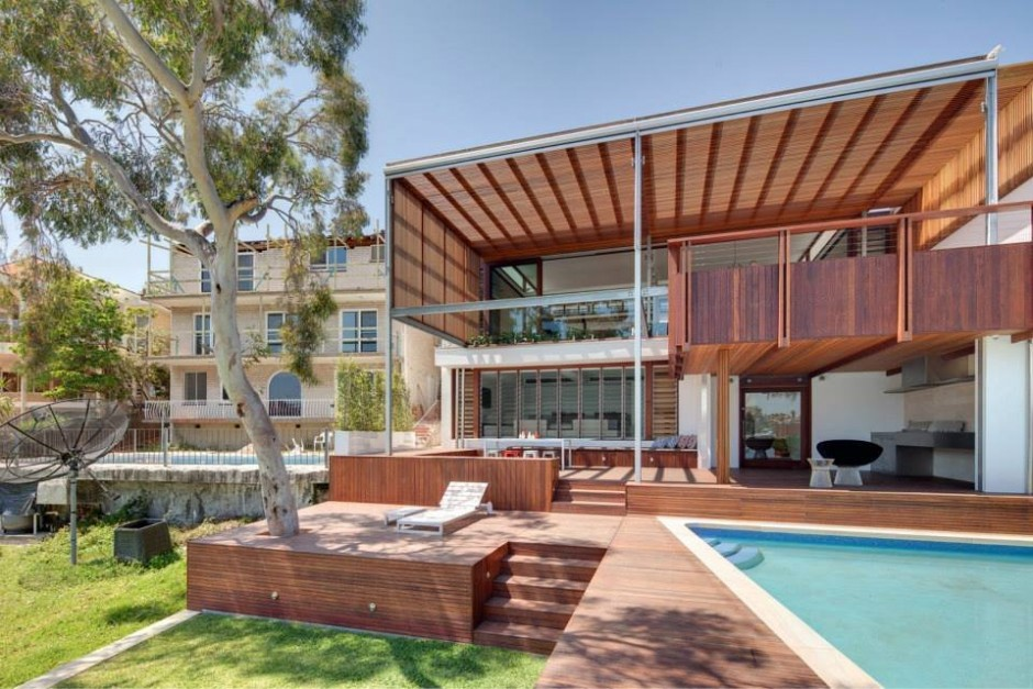 See the Beauty of Sidney Harbour from Multi-Level Home Concept: Swimming Pool With Wooden Deck And Garden