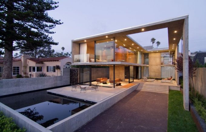 View Of The Outdoor Space Awesome House With Contemporary Large Outdoor Space