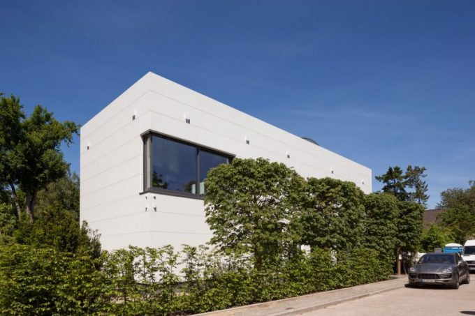 Villa Wiese In Berlin Contemporary Villa Design With White Exterior