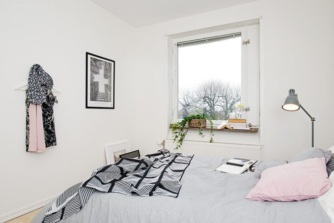 White And Beautiful Interior Small Apartment In Masthugget