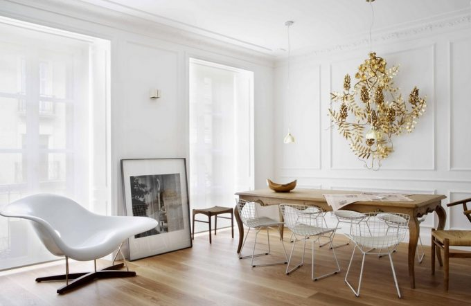 Apartment White Few Decorations Two Tones Interior Decor Elegant Apartment Decor Ideas