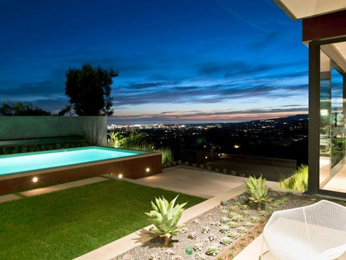 Awesome City View Modern Luxury Hill House Design Ideas