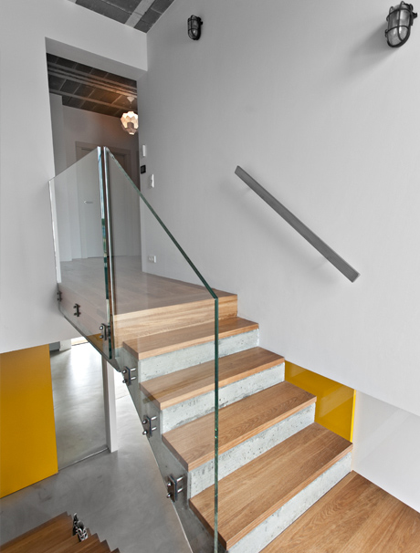 Beautiful Staircase Design With Glass Banister Young Executive House Design