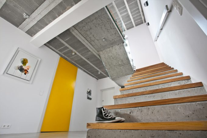 Concrete Stair With Wooden Steps Design Contemporary  House Design