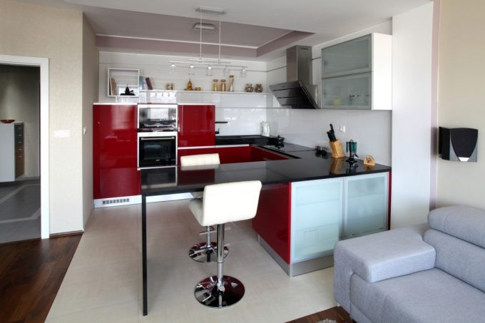Red Accent In Small Kitchen Decor Modern Apartment Design