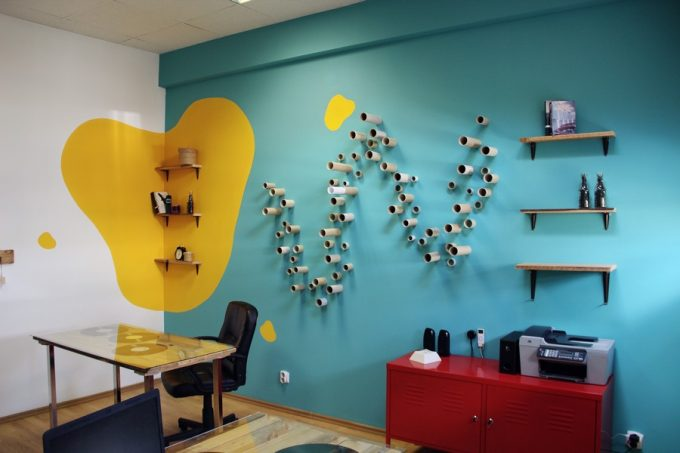 Simple And Stylish Furnishing Contemporary Office Design