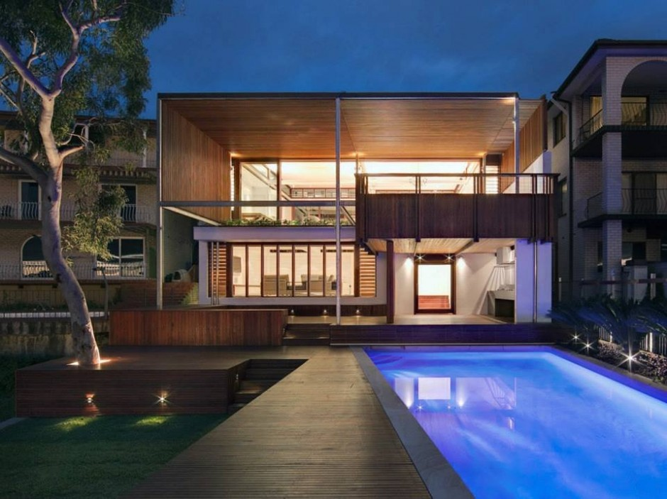 See the Beauty of Sidney Harbour from Multi-Level Home Concept: Two Story Wooden Harbour House Luxury House Design