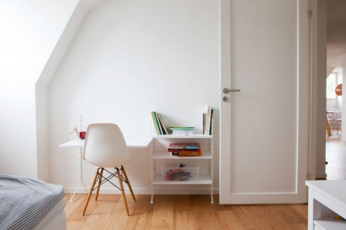 White Desk In Kid's Room