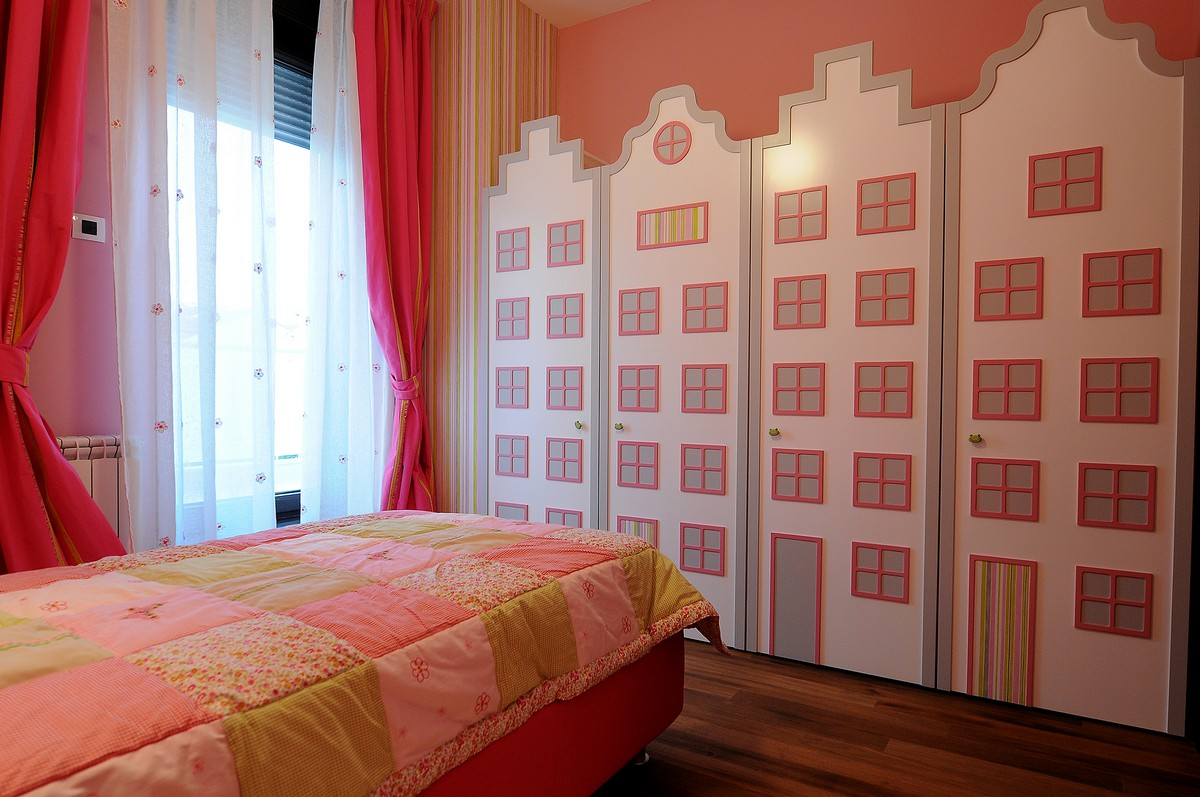 Luxurious Penthouse in Modern and Comfort Design: Wooden Floor Pink Bedroom Interior Girl's Bedroom Design