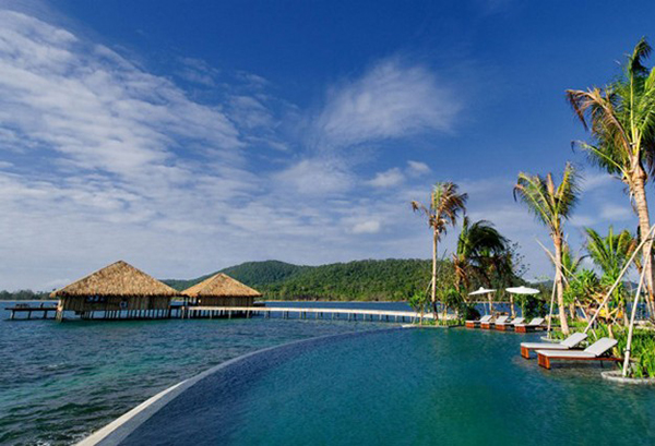 Breathtaking Site Infinity Pool With Borderless Style And Magnificent Beach Backsplash Song Saa Ptivate Island Resort