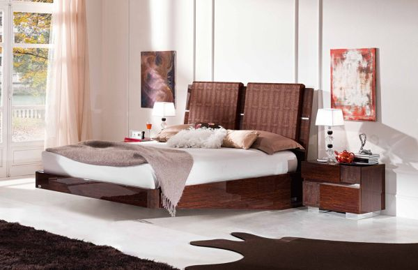 Colorful And Vivid Bedroom With A Classy Floating Bed And Glossy Wooden Bed Finishing