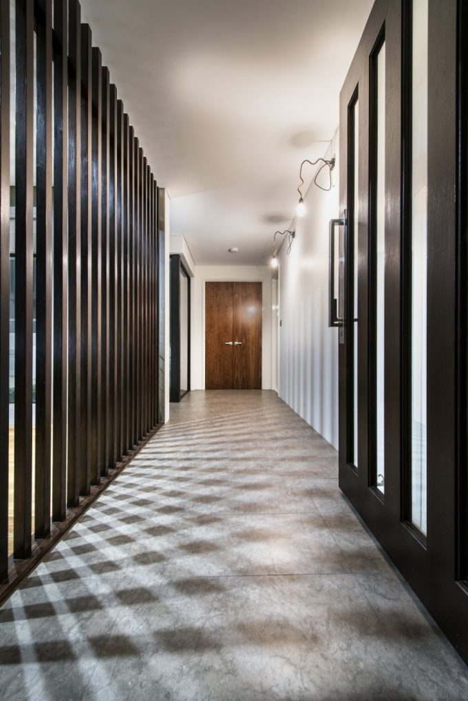 Corridor Vertical Browm Wood Cladding Beautiful Interior Decor Ideas