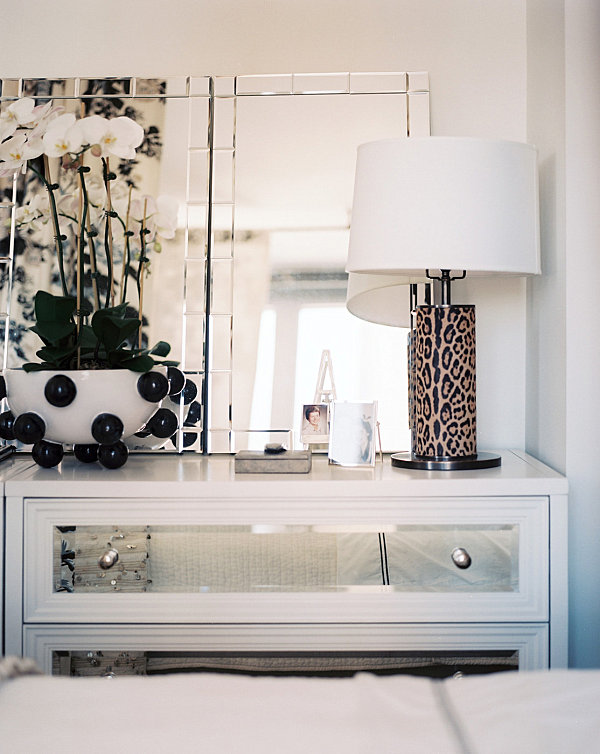 Interesting Details On A Mirrored Dresser Modern Bedroom Accessories Tips