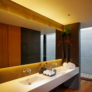 Modern Bathroom Design With Stylish Interior And Up To Date Fusrnishing