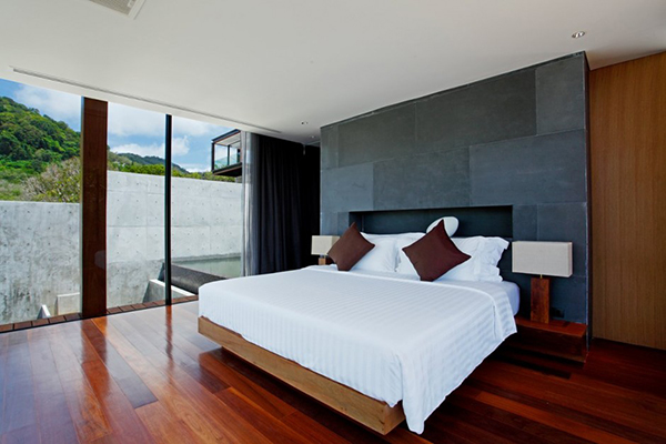 Naka Resort Provide Contemporary Bedroom With Stunning Beach Scenery