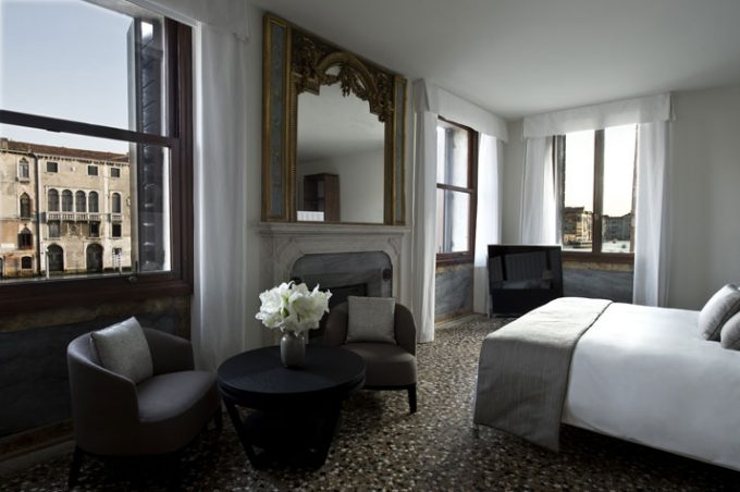 Neutral Nuances Relaxing Bedroom Hotel With Venice Canal View