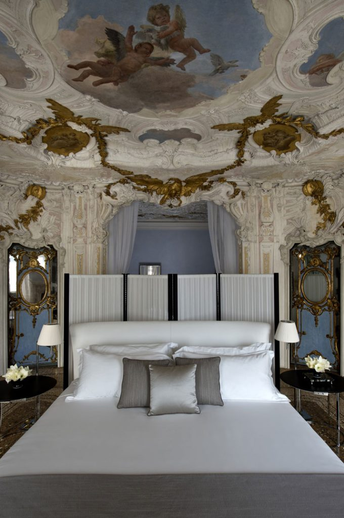 Opulence Luxury Room Design With Great Historical Interior