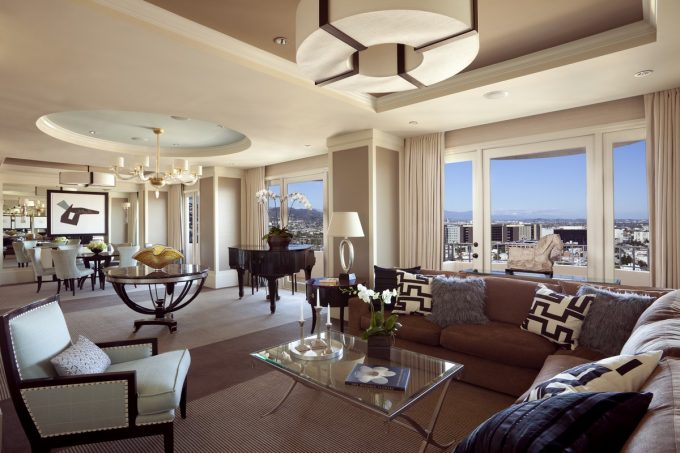 Presidential East Suite Super Hotel Bedroom Design With Spacy Room And Piano