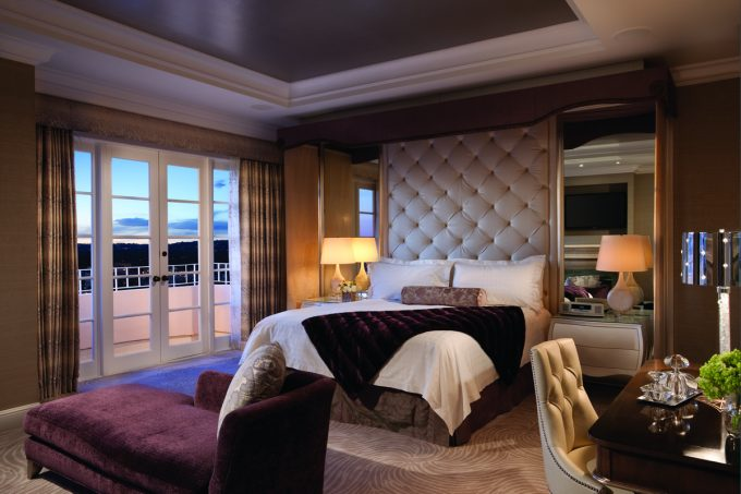 Presidential West Suite Luxury And Comfortable Bedroom Decor