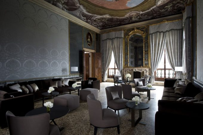 Sobriety Lobby Room Design Hotel In Canal Venice