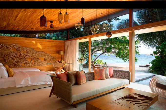 Stunning Details Of Bedroom Decor Of Exquisite Villas