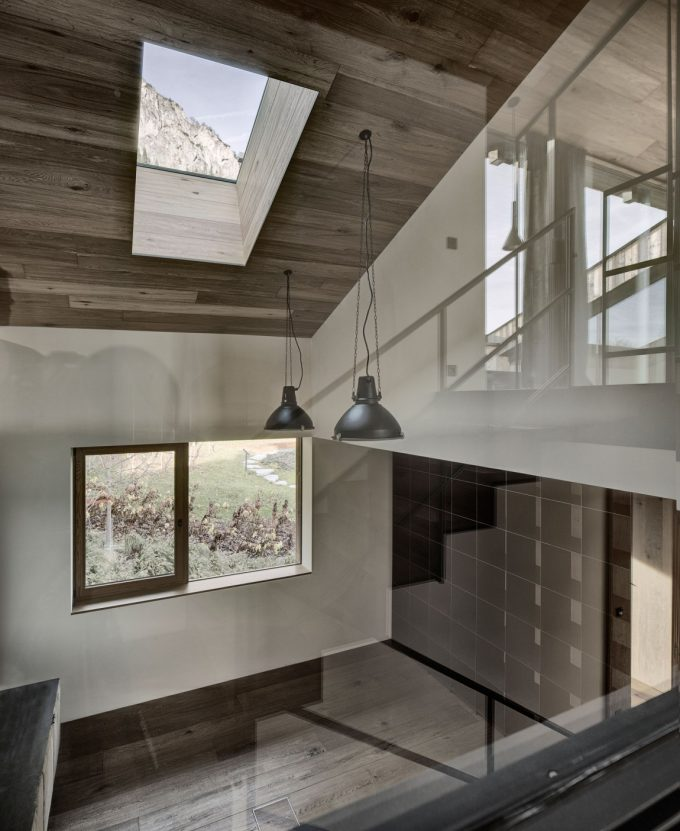 Wooden Ceiling With Skyhigh Glass Roof Design Modern Villa Design With Amazing Mountain View