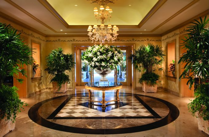 Awesome Lobby Design With Luxury Cahndelier And Big Flower Bucket