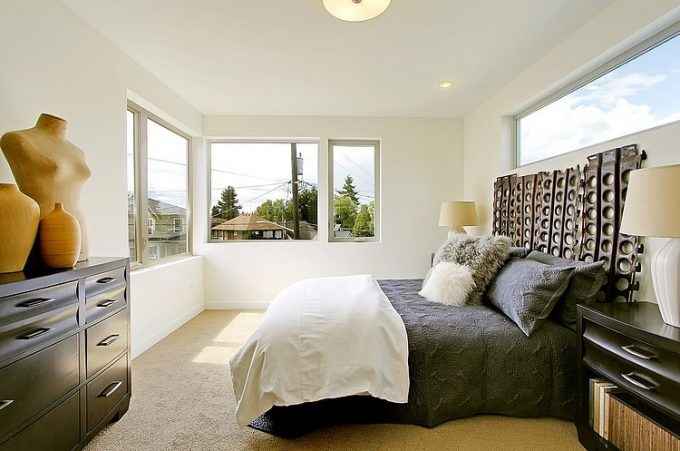 Awesome Minimalist Master Bedroom Design With Bright Natural Light Exposure