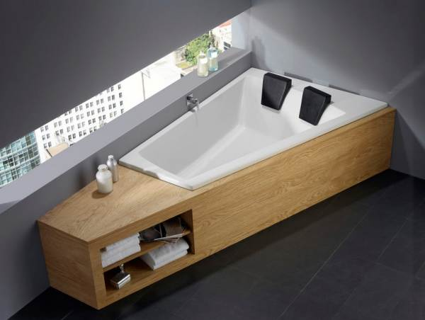 Beautiful Modern Two Seat Tub With Triangel Shape And 2 Black Headrest