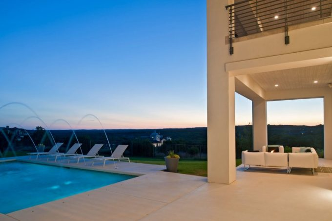 Beautiful Moderm Exterior Spanish Oaks Residence With Blue Watel Pool And Relaxing Outdoor Patio