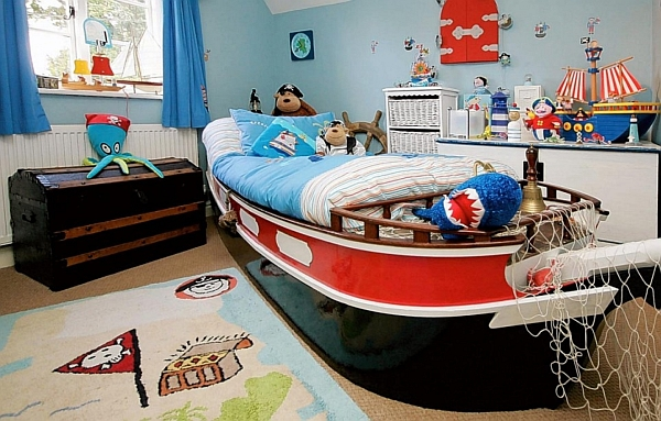 Cozy Pirate Inspired Kids Bedroom With Boat Shape Bed Design