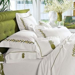Cozy White And Green Bed Linens For Snow Season Perfect Linen For Christmas