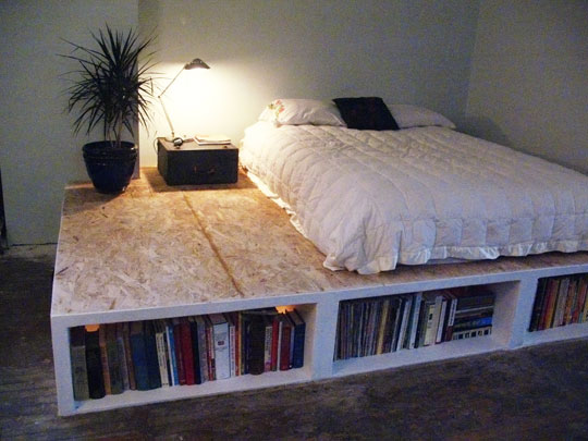 Creative Bed Platform With Book Shelving Design