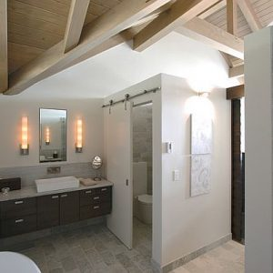 Exclusive Room For Toilet Privacy Wall With Tiles Decor