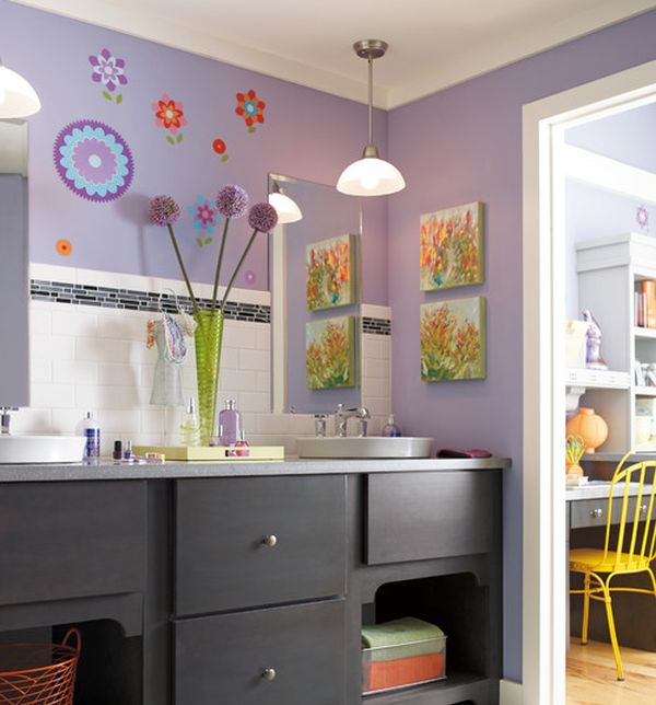 Frolar Purple Wall Kids Bathroom With Ample Color And Attractive Wall Art