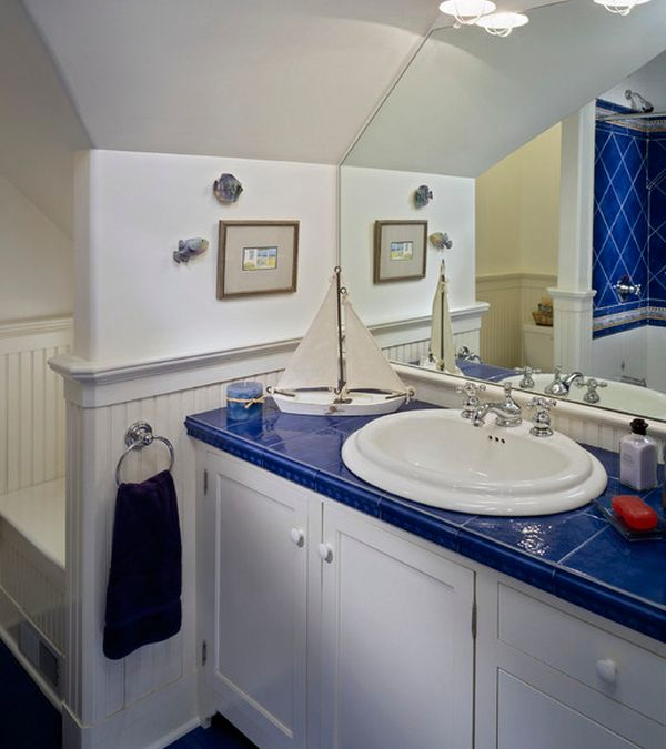Interesting Kid's Bathroom Design With White And Blue Theme Makes For A Perfect Kids Bathroom With Nautical Motif