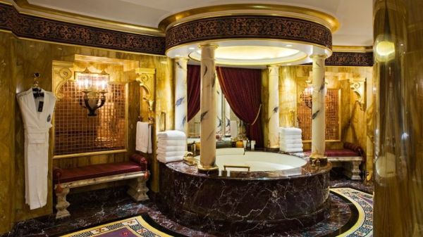 Luxury Arabian Style With Golden Theme Bathroom Design
