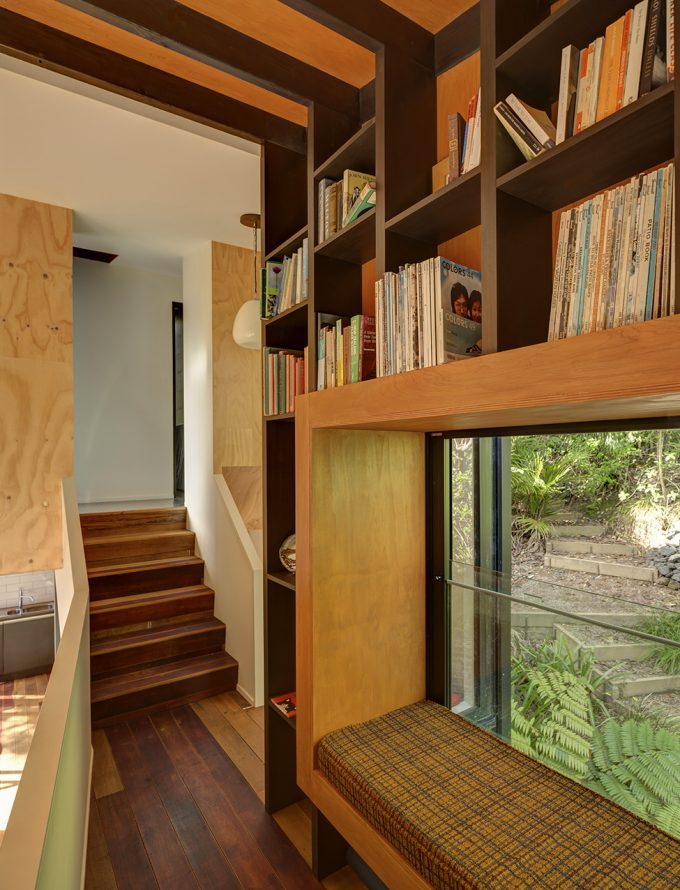 Mezzanine Library With Bay Window Compact House Design