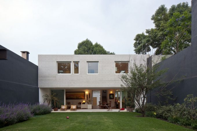 Modern Private Home With Private Landscaping And High Wall Courtyard