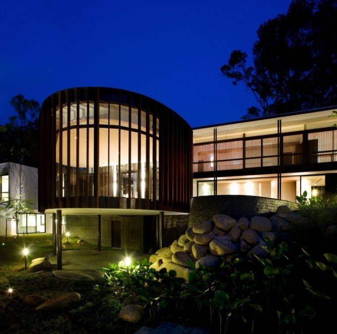 Modern House With A Curvilinear Pavilion Luxury House Design