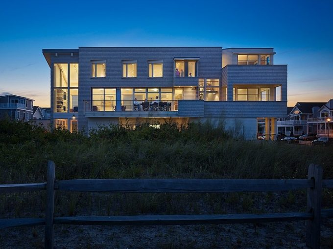 Permanent Family House With Tranquility Nuance The Avalon House The Project Designed By McCoubrey  Overholser