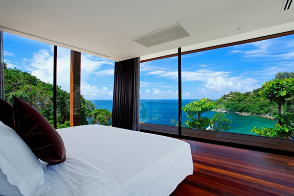 Relaxing Bedroom View With Deep Blue Water View