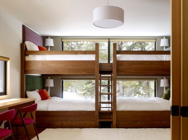 Smart Small Bedroom Design Cool Double Bunker Bed Set With Pull Out Beds At The Bottom Create A Summer Camp Atmosphere