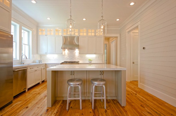 Traditional White Kitchen With Wood Painting Panneling Wall And Wood Palette Floor