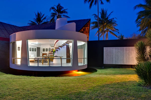 Villa Sapi Modern Side With Round Shape Room With Floor To Ceiling Transparent Glass And White Exterior Relaxing Villa In Lombok